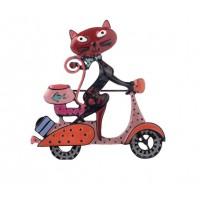 Broša. Kaķēns velosipēdists